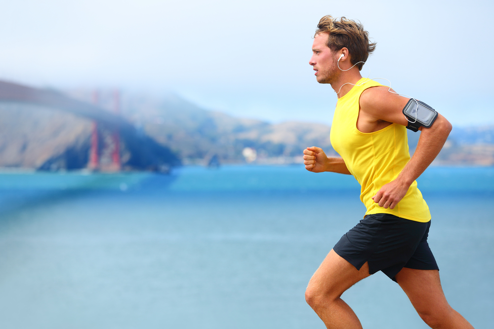 The Pros And Cons Of Listening To Music While You Run